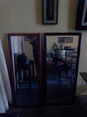 Dos espejos decorativos con marco de madera de sol posot for Espejos decorativos con marco de madera
