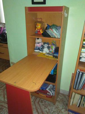 biblioteca modular con escritorio