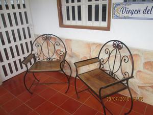 sillas para jardin en hierro forjado y madera con cojines