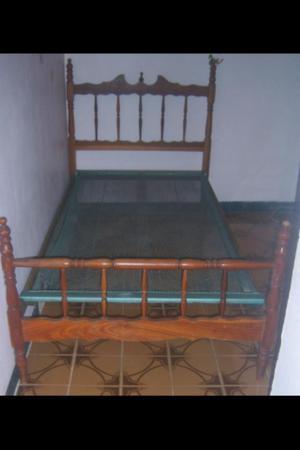 Cama Individual de Madera.