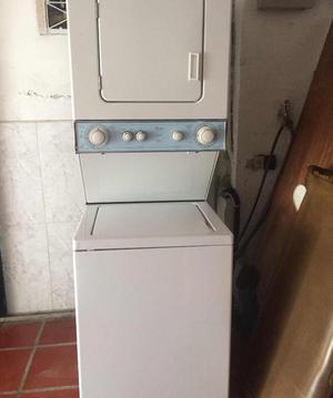 Lavadora y secadora Whirlpool de 8kg