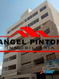 APARTAMENTO EN VENTA EN LA LAGO MARACAIBO API 2318