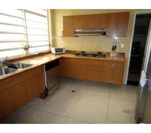Vendo Casa en Las Palmas Caracas B33