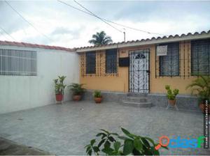 Casa en Venta El Trigal Cabudare 18-7275