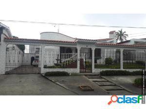 Amplia Casa en Venta en la Rotaria de Barquisimeto