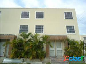town house en venta en tarabana flexMLS #18-11439
