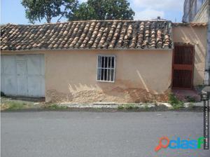 Casa con Amplio Terreno en el Centro Barquisimeto