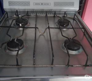 Cocina a Gas de 4 Hornillas con Horno General Electric Usada