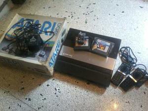 Atari  Con Su Caja Controles Juegos De Coleccion Leer