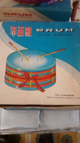 Tambor Antiguo De Juguete Superficie De Tela En Caja