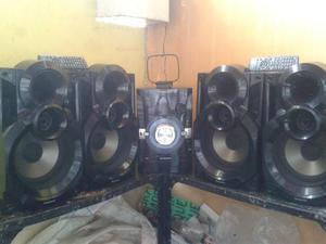 Equipo De Sonido Panasonic Sc-akx34 Con 4 Cornetas 1 Control
