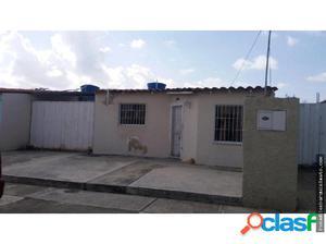Casa en Urbanismo Privado en Zona Norte Bqto