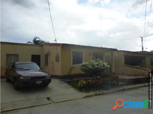Casa en Venta Cabudare La Teura Flex18-8075