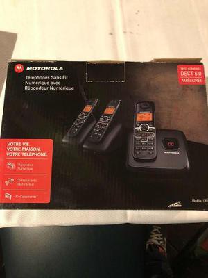Motorola Teléfono Inalámbrico Incluy 3 Dispositivos