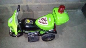 Excelente Moto A Bateria Para Niños En Optimas Condiciones