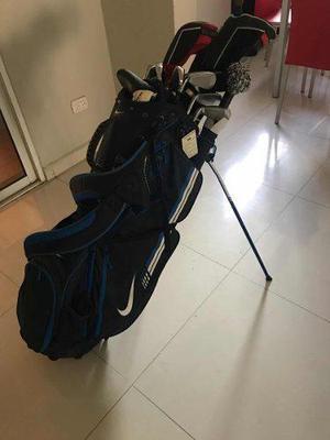 Juego De Palos De Golf Con Su Maleta Para Jugar