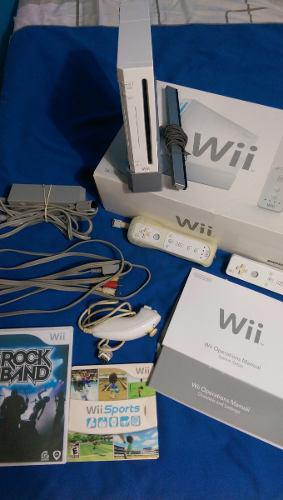 Nintendo Wii Sports Sin Shipear + 2 Controles + 2 Juegos