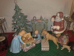 Escena De Navidad De Porcelana.