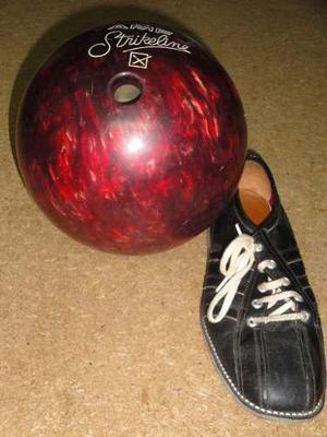 Pelota De Bowling Strikeline Con Funda, Bolso Y Zapatos