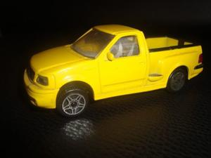Ford Svt F150. Lightning. Burago 1/64