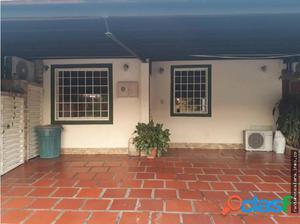 Casa en Venta Urb. Giraluna La Piedad Cod 18-5700