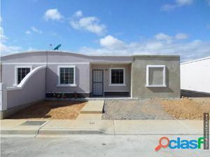 Se Vende Linda Casa al Norte de Barqto 18-7525