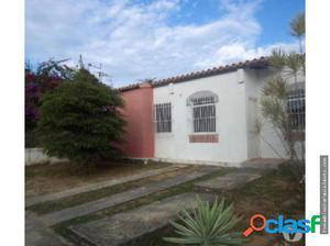Vendo Casa Urb Los Cerezos II 17-15157