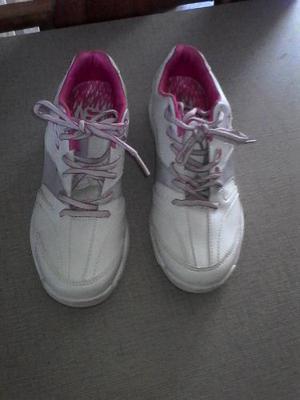 Bellos Zapatos Para La Practica Del Bowling Marca Storm