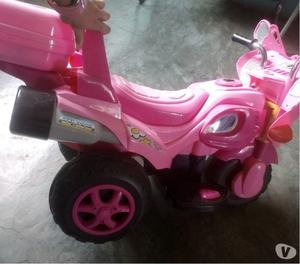 Moto De Bateria Para Niña buena. negociable