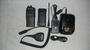 Radio Portatil Motorola Pro.