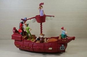 Set De 5 Figuras De Peter Pan Y Barco Pirata