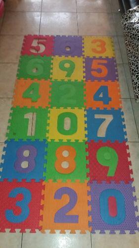 Alfombra De Foami 30x30.posee 18 Piezas Bellos Colores