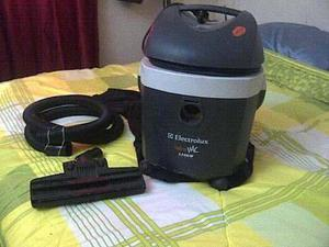 Aspiradora Electrolux 1300w Usada En Buenas Condiciones