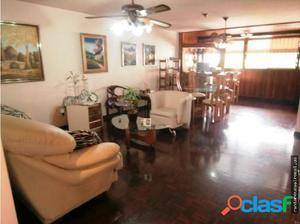 Apartamento en Caracas - CnasBelloMonte 17-12870