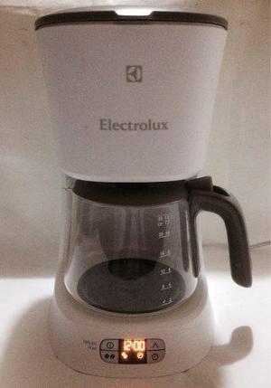 Cafetera Electrolux Chef Cmc30 Programable De 12 Tazas