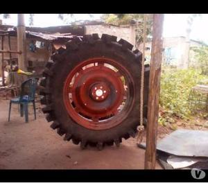 Cauchos para tractor La medida es 13 6 38