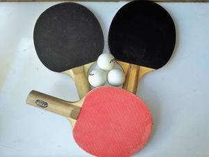 Juego De Tres Raquetas De Ping Pong + 2 Pelotas+estuche