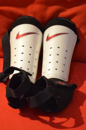 Espinilleras Nike