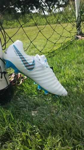 Tacos O Guayos De Futbol Nike Tiempo Del Mundial Clase A