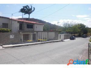 Amplia Casa en Venta en Colinas de Santa Rosa