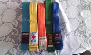 Traje Y Accesorios De Karate