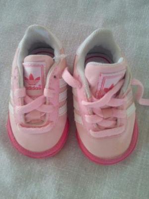 Zapato adidas Original.. Talla 18