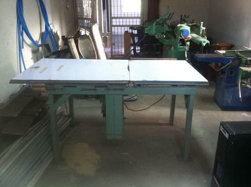 Sierra De Carpinteria Industrial Con Mesa