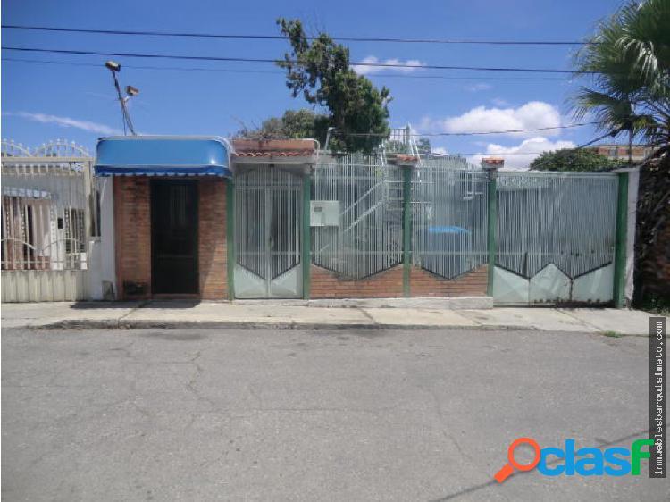 Amplia Casa en Venta en el Centro de Barquisimeto