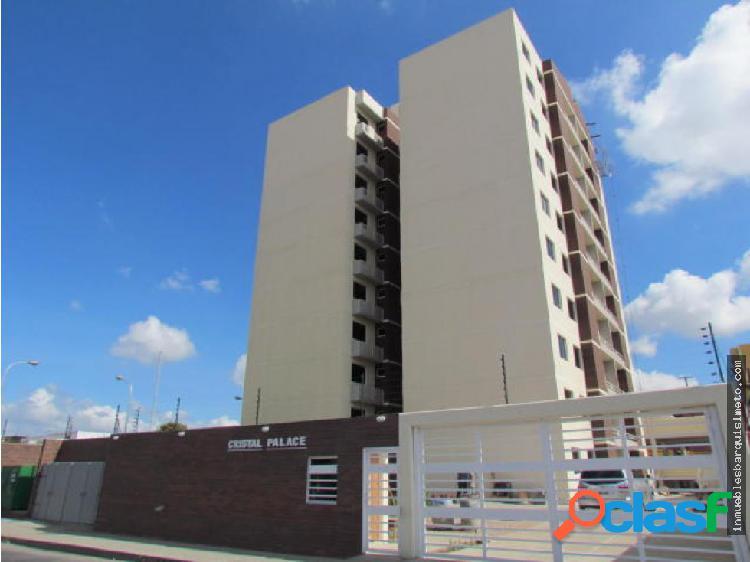Apartamento en Venta en Barquisimeto 18-10129