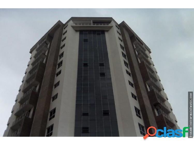Apartamento en Venta en Barquisimeto 18-10236