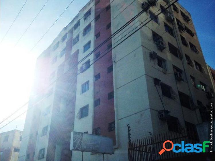 Apartamento en Venta en Barquisimeto 18-12525