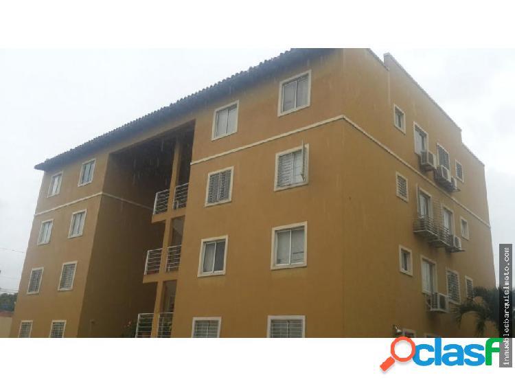 Apartamento en Venta en Cabudare 18-15314
