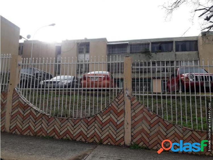 Apartamento en Venta en La Mora MLS18-10393