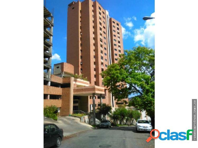 Apartamento en la Urbanización El Parral